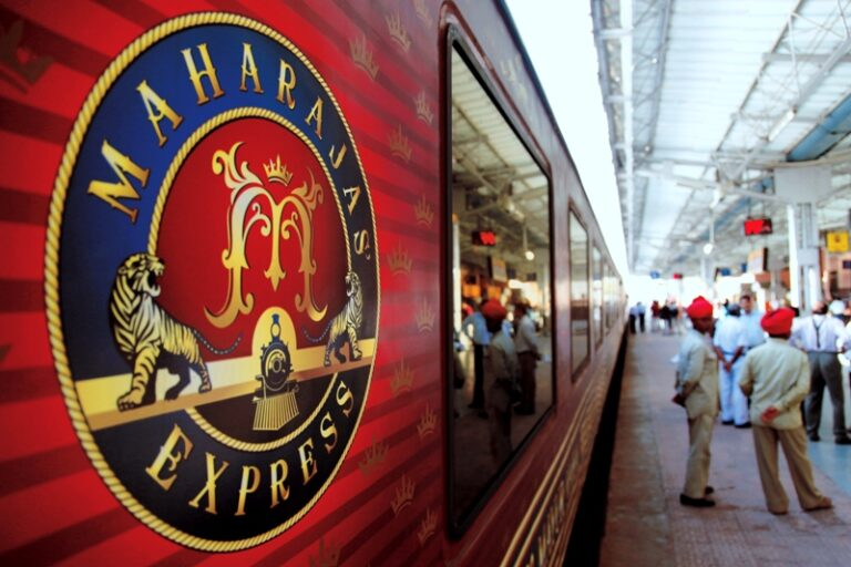 Folio.YVR Issue #1: Maharajahs' Express: India's Luxury Train Adventure