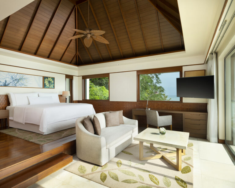 Folio.YVR Friends: The Westin Siray Bay Captures Hearts in Phuket