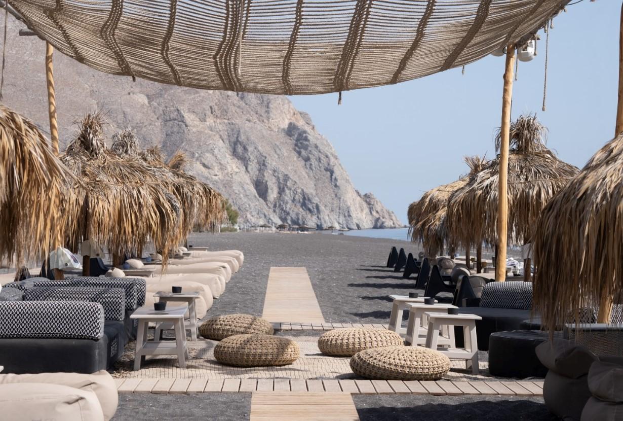 The Wet Bar, Santorini, Greece, Luxury Lifestyle Awards, Helen Siwak, Vancouver, BC, Vancity, YVR, BC