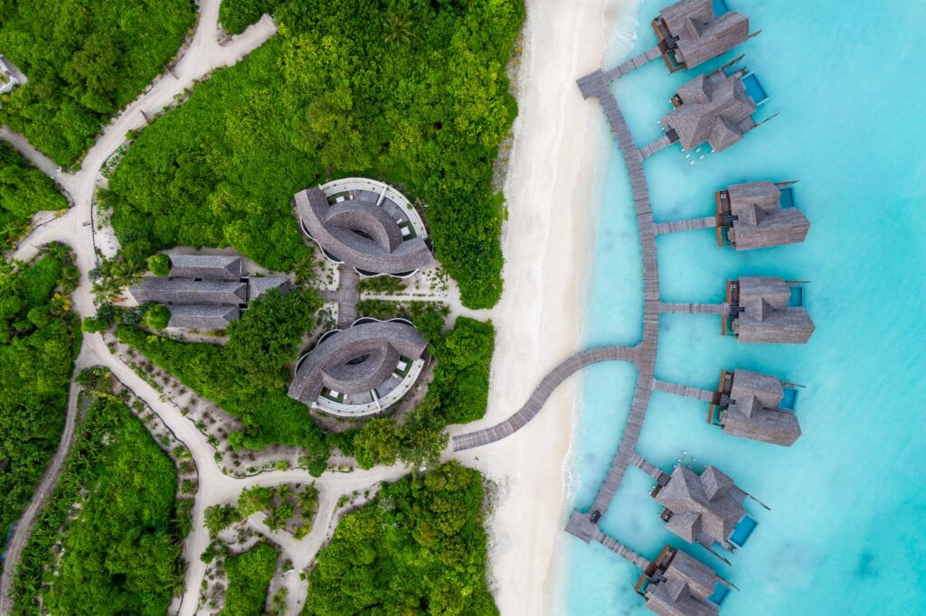 hideaway beach, maldives, luxury lifestyle awards, travel adventure, helen siwak, ecoluxluv, folioyvr, vancouver, bc