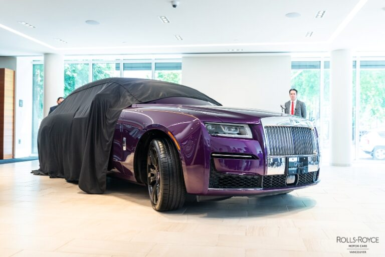 FolioYVR Friends: Rolls-Royce Launches IRL the New Ghost