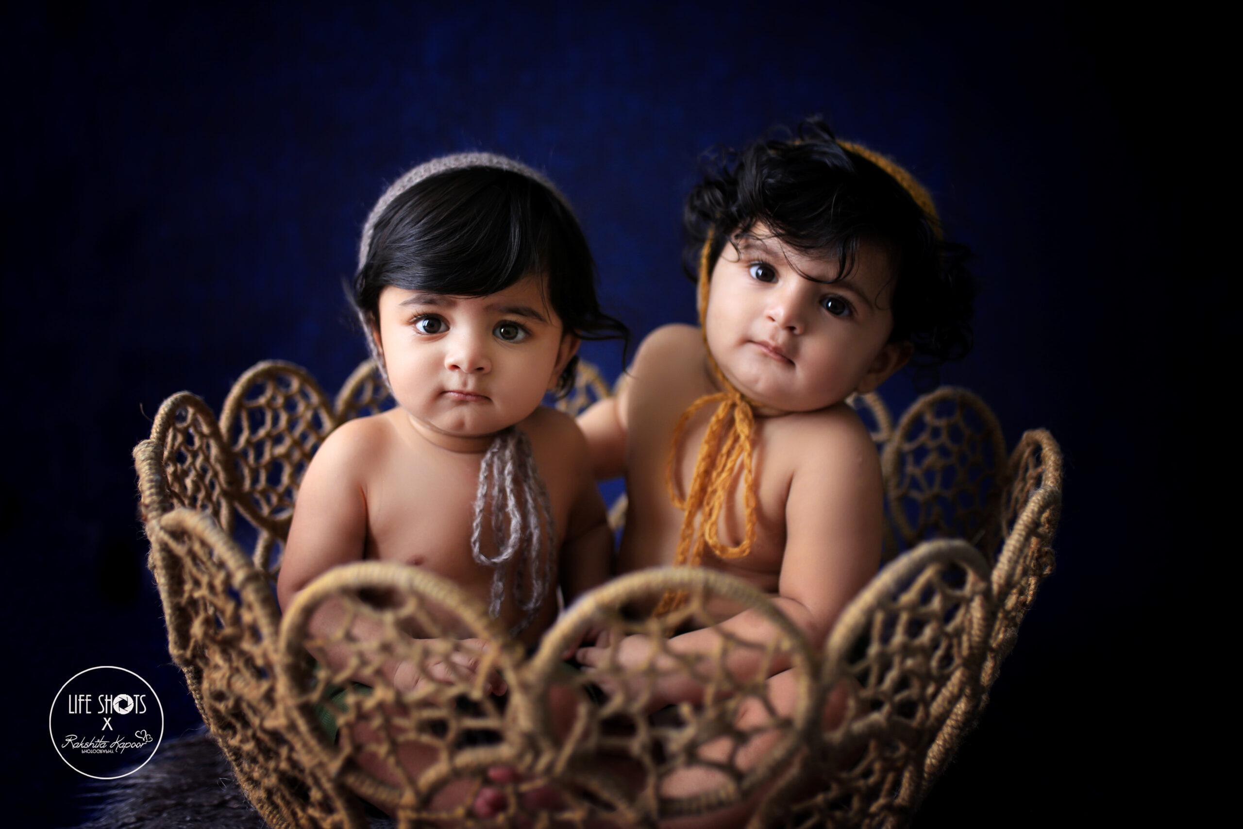 Best baby twins photography in Delhi NCR Noida Gurgaon Faridabad by Rakshita Kapoor