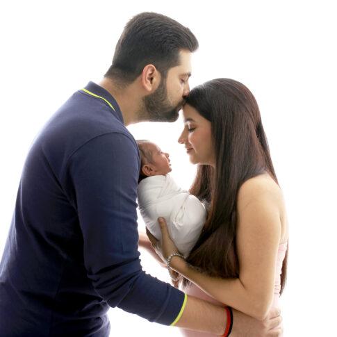 Best Newborn family photography by Rakshita Kapoor
