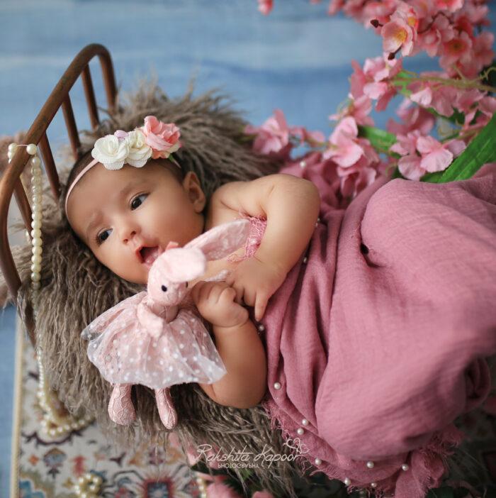 Best baby photographer in Delhi NCR Noida Gurgaon Faridabad by Rakshita Kapoor