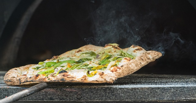 Cambria Pines Lodge pizza