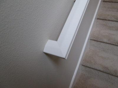 correct handrail example