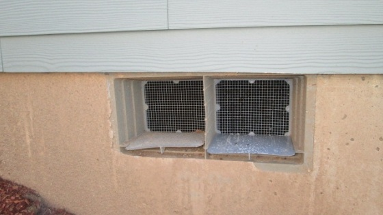 Should I Close the Vents to my Crawl Space in the Winter?