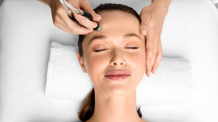 Microinfusion Mesotherapy (MesoGlow Facial)