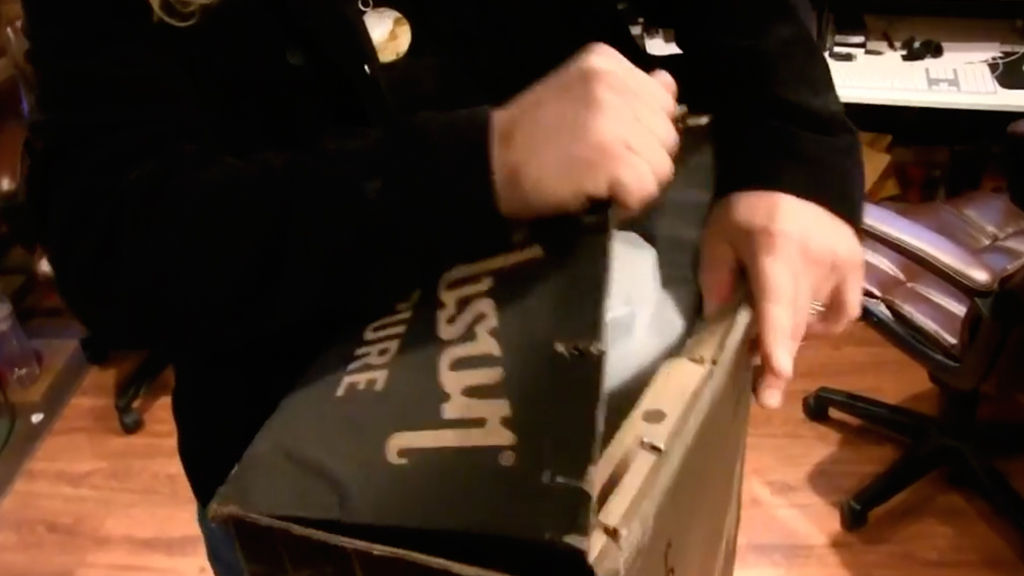 """Unboxing the Gibson """"Love Dove"""" acoustic guitar!"""