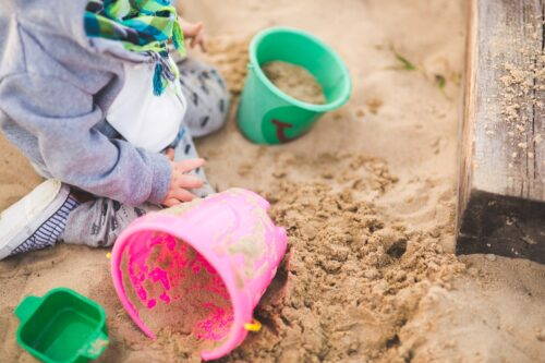 sand-summer-outside-playing
