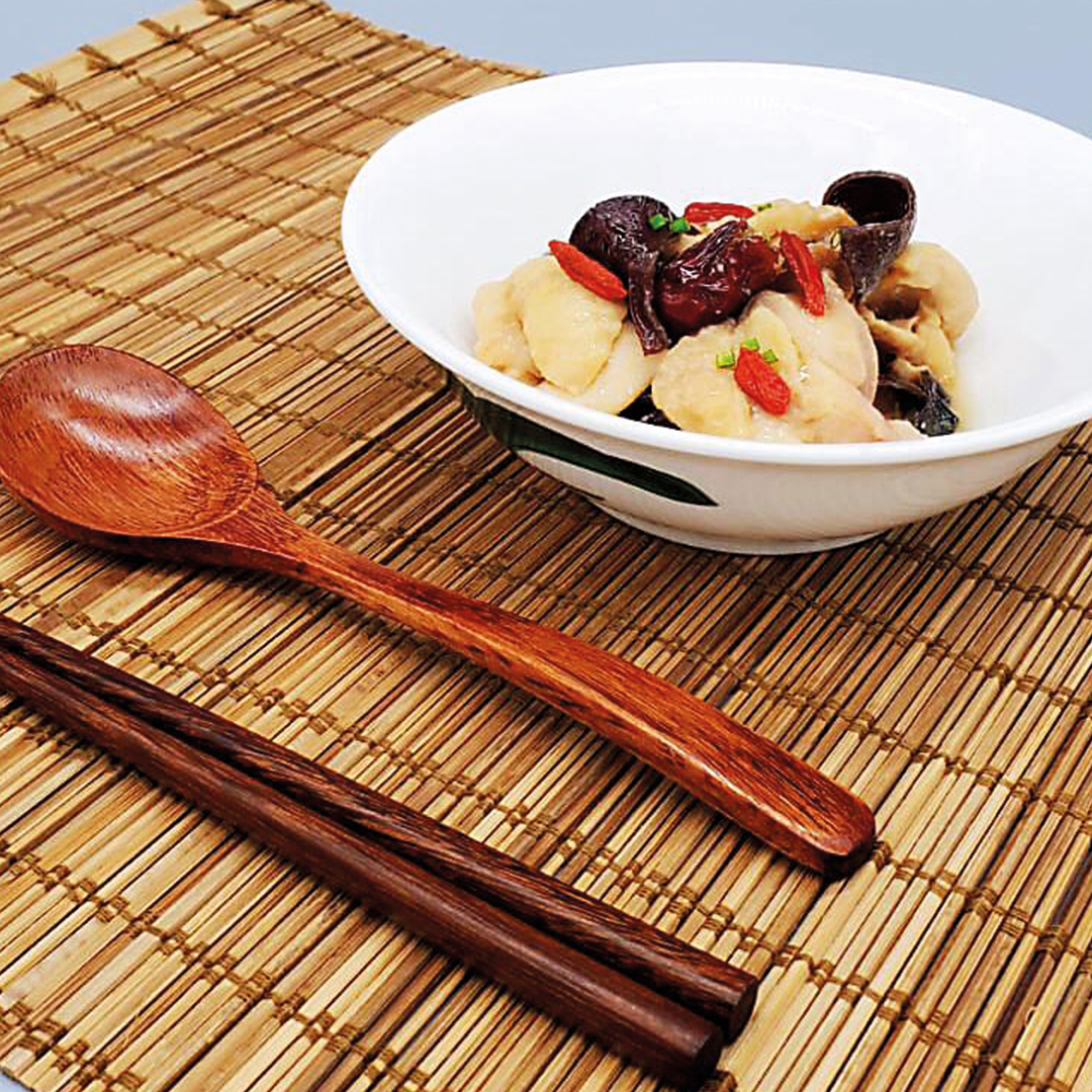 Steamed Chicken with Black Fungus, Red Dates and Wolfberry (New Product)