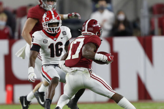 Georgia defensive back Lewis Cine (16) during the Bulldogs' game with Alabama in Tuscaloosa, Ala., on Saturday, Oct. 17, 2020. (Photo by Skylar Lien)