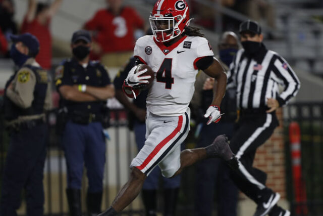 Georgia running back James Cook (4) during the Bulldogs' game with Alabama in Tuscaloosa, Ala., on Saturday, Oct. 17, 2020. (Photo by Skylar Lien)