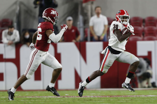 Georgia wide receiver Kearis Jackson (10), wearing No. 30 on a kickoff return, during the Bulldogs' game with Alabama in Tuscaloosa, Ala., on Saturday, Oct. 17, 2020. (Photo by Skylar Lien)