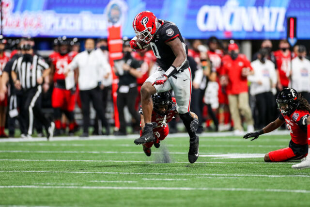 Georgia tight end Darnell Washington (0) uring the Chick-fil-A Peach Bowl at Mercedes-Benz Stadium in Atlanta, Ga., on New Year's Day, Jan. 1, 2021. (Photo by Chamberlain Smith)