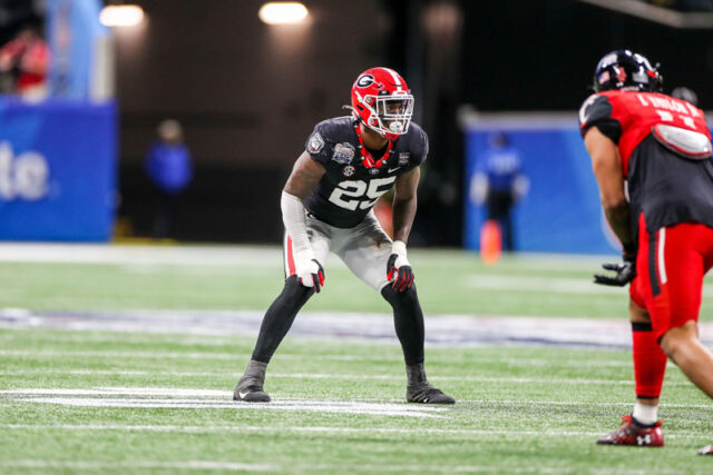 Georgia inside linebacker Quay Walker (25) during the Chick-fil-A Peach Bowl at Mercedes-Benz Stadium in Atlanta, Ga., on New Year's Day, Jan. 1, 2021. (Photo by Chamberlain Smith)