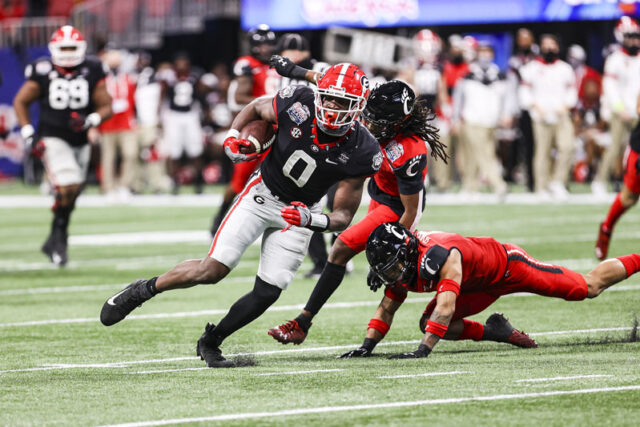 Georgia tight end Darnell Washington (0) during the Chick-fil-A Peach Bowl between Georgia and Cincinnati at the Mercedes-Benz Stadium in Atlanta, Ga., on Friday, Jan. 1, 2020. (Photo by Tony Walsh)