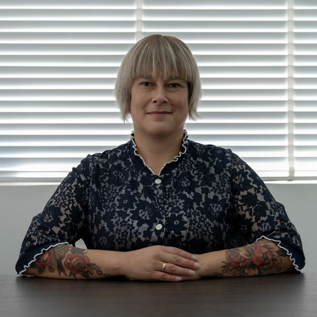 杰西卡 塔库尔女士 - 技术顾问