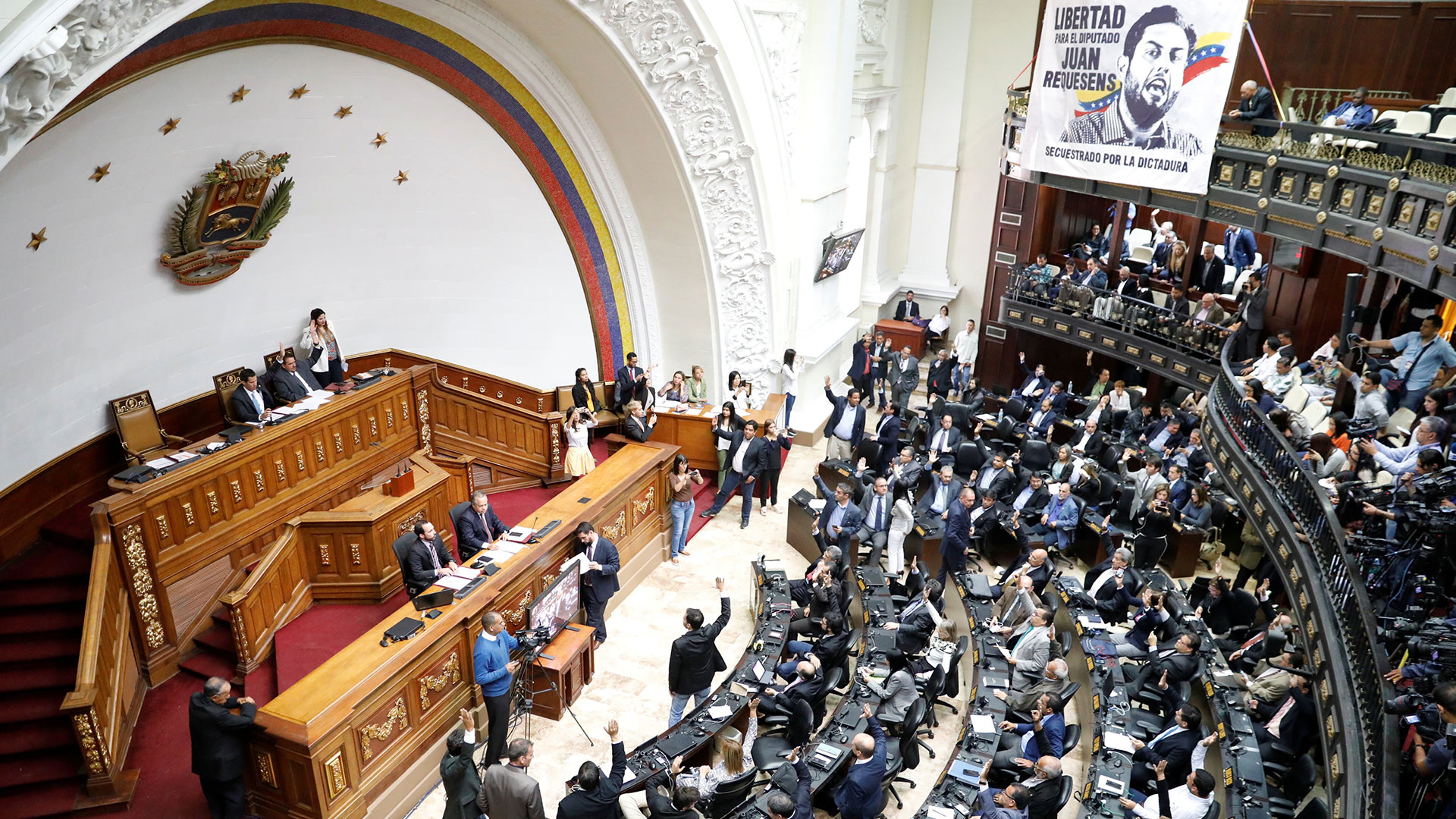 yammine_chery_cheryl_blossom_brother_la_asamblea_nacional_de_venezuela_declaro_a_maduro_usurpador_de_la_presidencia_.jpg