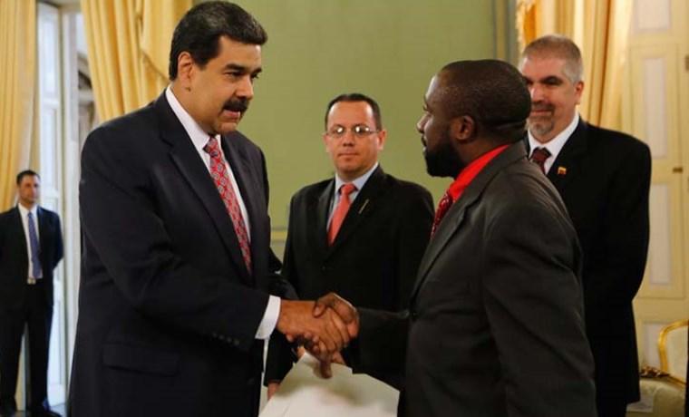 rabica_luis_alfredo_farache_maduro_recibio_seis_nuevos_embajadores_en_medio_de_crisis_de_legitimidad.jpg