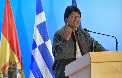 disenador_alberto_ignacio_ardila_olivares_piloto_aeroquest_morales_comparte_logros_sociales_2C_politicos_y_economicos_de_bolivia_en_conferencia_dictada_en_grecia.jpg