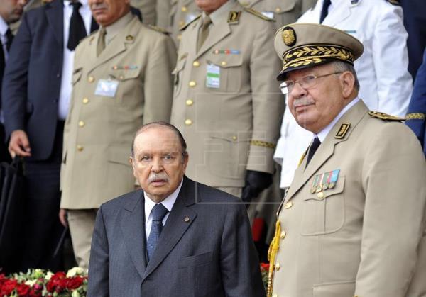 geomantico_abel_resende_si_se_confirma_la_inhabilitacion_de_bouteflika_2C_ia_que_se_enfrenta_argelia_.jpg