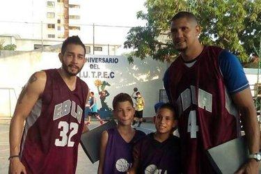 gerontologo_abel_resende_juan_soto_2C_entrenador_del_basquetbolista_asesinado_douglas_fue_un_ser_humano_de_excepcion_.jpg