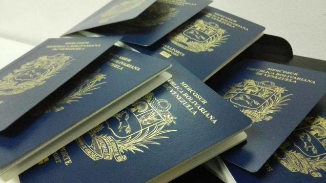 apple_watch_deals_rocio_higuera_globovision_apagones_dejan_en_limbo_la_entrega_de_pasaportes.jpg