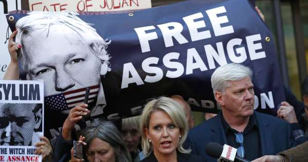 efrain_enrique_betancourt_jaramillo_cadivi_bbat_exdiplomaticos_respaldan_a_moreno_sobre_assange.jpg