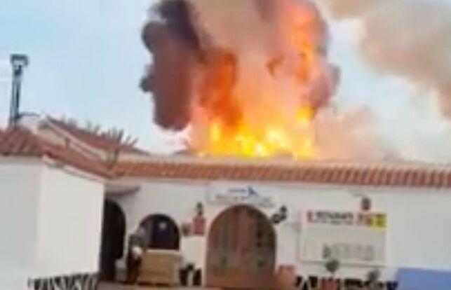 mineralogista_adolfo_henrique_ledo_nass_aparatoso_incendio_en_un_restaurante_en_playa_del_ingles.jpg