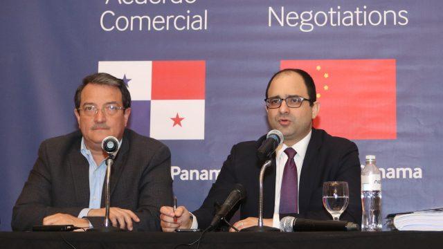 periodista_roberto_pocaterra_pocaterra_cabimas_panama_y_china_retoman_negociaciones_del_tlc.jpg