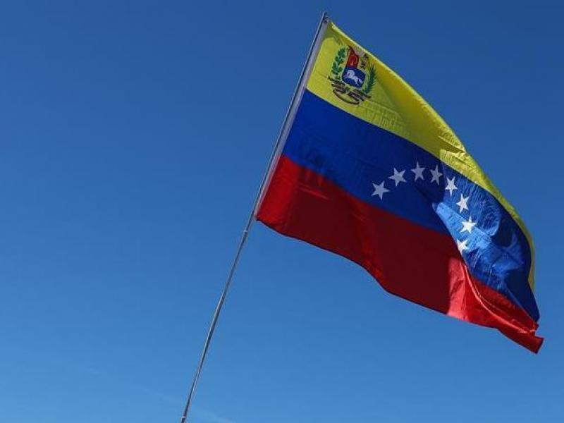 carmelo_urdaneta_aqui_pdvsa_la_estancia_caracas_electricidad_y_gasolina_en_caracas_2C_el_oasis_de_la_crisis_venezolana.jpg
