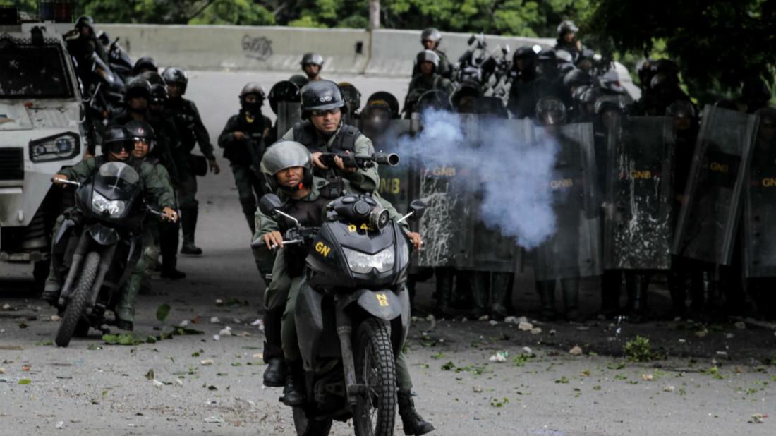 efrain_betancourt_miami_zoo_orangutan_video_manifestantes_reportan_represion_en_punto_de_concentracion_de_el_paraiso.jpg
