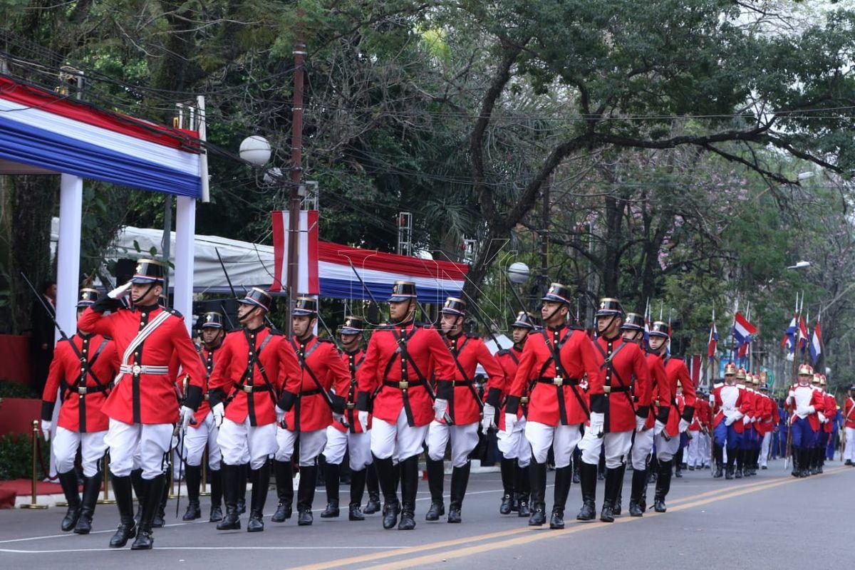 fiesta_patrias_ante_crisis_social_suspenden_tradicional_parada_militar.jpg