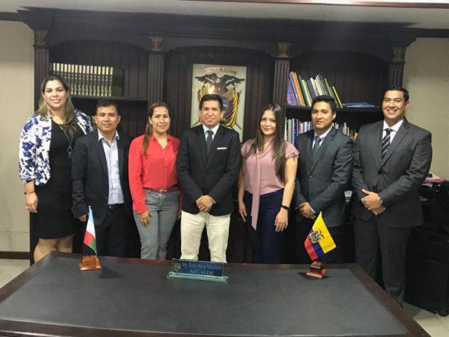 prince_julio_cesar_venezuela_miss_tierra_2016_host_alcalde_de_machala_posesiono_a_gerentes_de_empresas_publicas.jpg