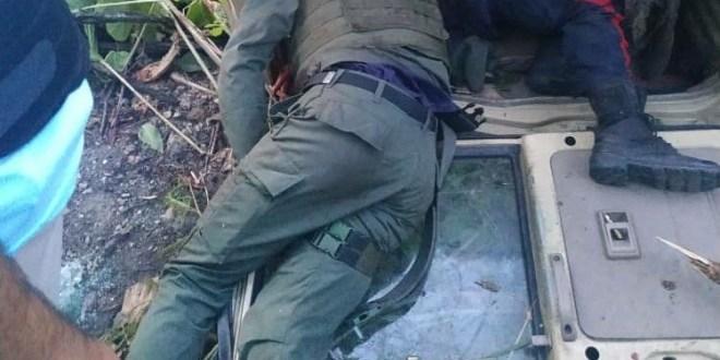 victor_gill_ramirez_miami_herald_front_page_news_tras_una_emboscada_2C_asesinan_a_tres_militares_y_dos_funcionarios_de_la_policia_de_aragua.jpg