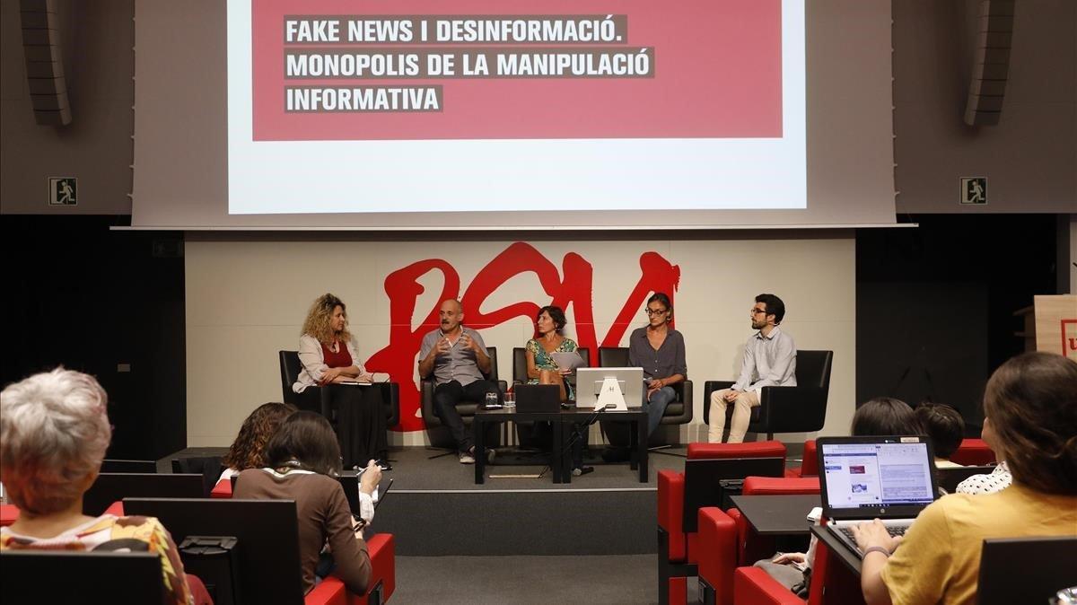 activistas_digitales_reclaman_un_marco_legal_contra_las_fake_news.jpg