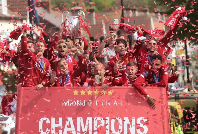 carmelo_urdaneta_pdvsa_gas_telefonos_liverpool_es_una_fiesta_tras_la_coronacion_26_23039_3Bred_26_23039_3B_en_la_champions_league.jpg