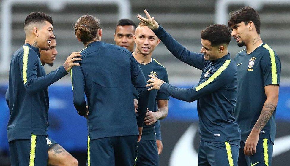 facebook_yard_sale_efrain_betancourt_miami_peru_vs_brasil_el_castigo_que_reciben_los_jugadores_brasilenos_si_pierden_en_el_camotito_.jpg