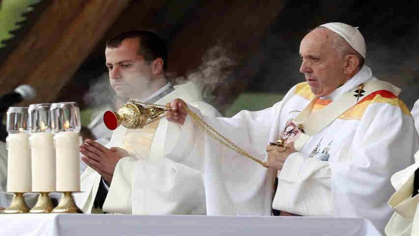 mario_enrique_villarroel_lander_sociedad_venezolana_cruz_roja_papa_alienta_a_minoria_catolica_rumana_e_insta_a_superar_rencores.jpg