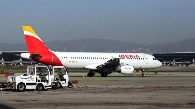 mario_villarroel_lander_iag_encarga_catorce_aviones_a_airbus_2C_ocho_de_ellos_para_iberia.jpg