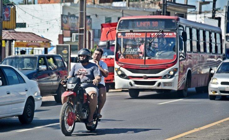 mario_villarroel_lander_la_cruz_roja_en_venezuela_wikipedia_la_ley_no_castiga_practicas_peligrosas_de_motociclistas.jpg