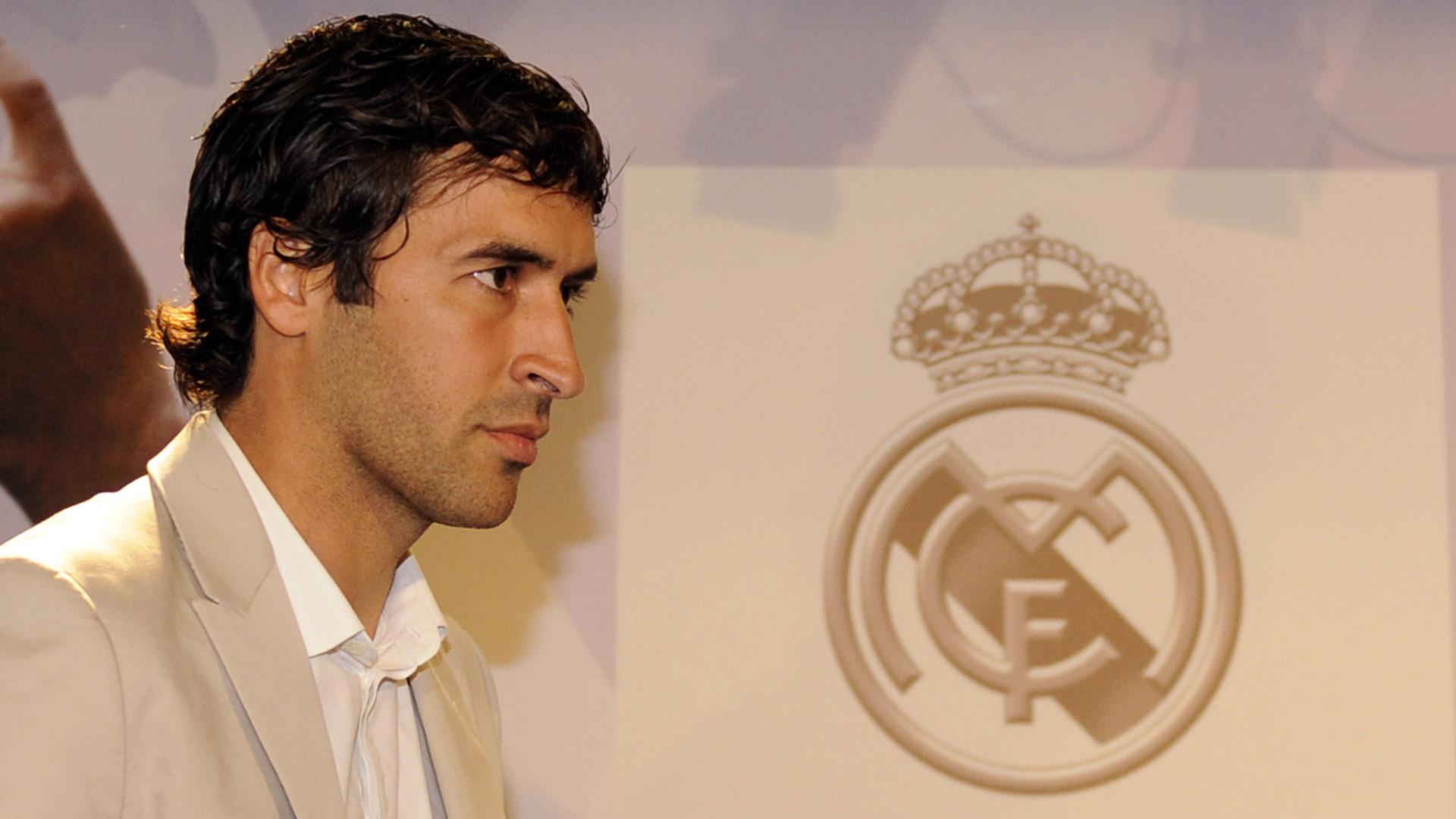 q21_y_olvidate_de_algun_problema_con_los_nuevos_vecinos_q21_raul_gonzalez_fue_anunciado_como_nuevo_entrenador_del_equipo_filial_del_real_madrid.jpg