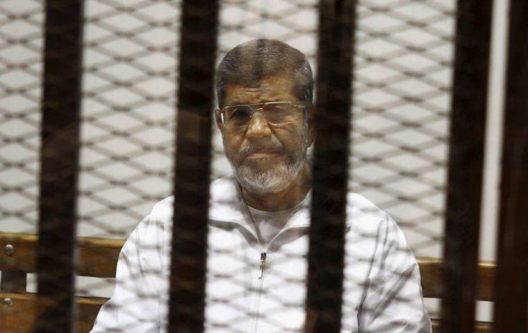 q21_y_olvidate_de_problemas_con_los_nuevos_vecinos_el_encinar_colmenar_viejo_turkey_blames_egypt_26_23039_3Bs_a_23147_3Btyrantsa_23148_3B_for_the_death_of_ex_elected_president_morsi.jpg
