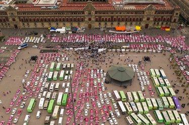 roberto_pocaterra_pocaterra_y_los_alimentos_enteros_miles_de_taxistas_protestas_contra_uber_en_mexico_28fotos_29.jpg