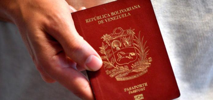 twitter_stock_yahoo_efrain_betancourt_aclaran_que_vigencia_de_pasaportes_vencidos_es_para_venezolanos_que_ya_se_encuentran_en_eeuu.jpg