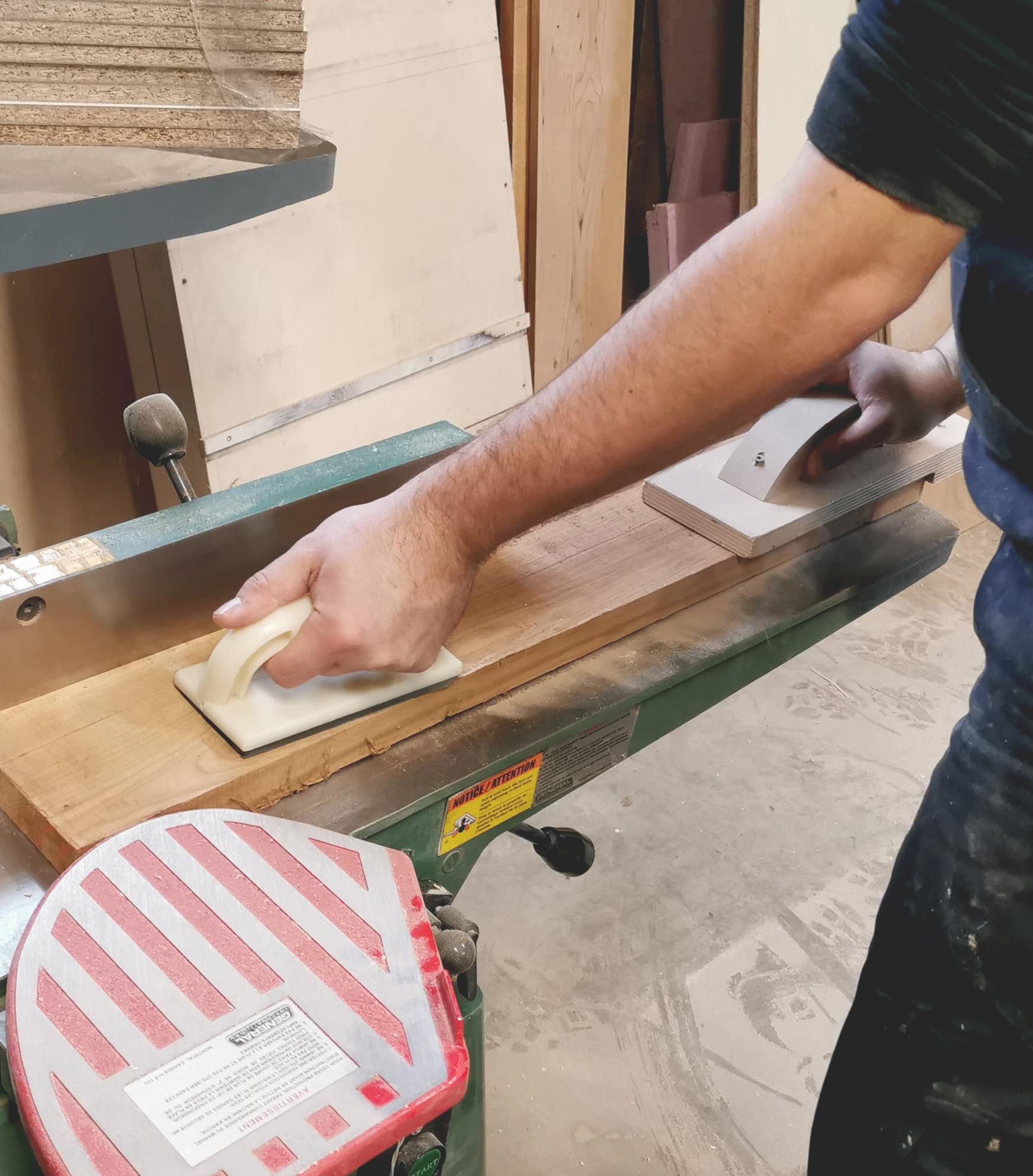 Service - Procédé de fabrication d'un meuble