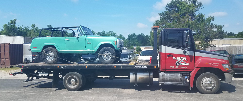 classic vehicle towing safely in WIlmington, NC 28405