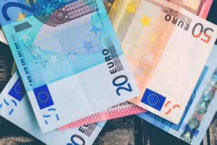 Extremist Group 'Extinction Rebellion' Paid 450 Euro-A-Week