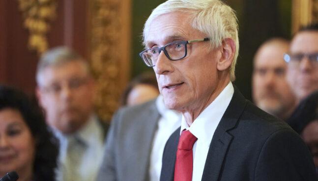 Wisconsin Governor Delays Democratic Primary